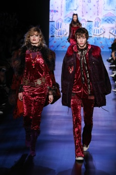 anna sui fw17 nyfw new york fashion week runway womenswear menswear @sssourabh