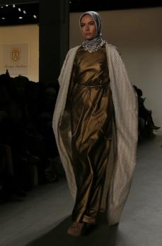 anniesa hasibuan hijab new york fashion week nyfw fw17 @sssourabh