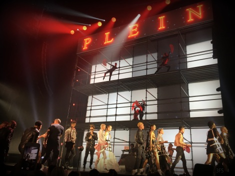 philipp plein ss18 nyfw new york fashion week menswear womenswear neon nightlife runway nicki minaj future dita von teese @sssourabh