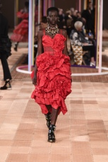 alexander mcqueen ss18 pfw paris fashion week womenswear runway travel @sssourabh