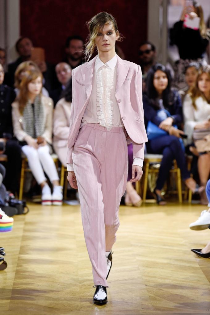 9a33f1805711 John Galliano Ss18 Pfw Paris Fashion Week Womenswear Runway Travel