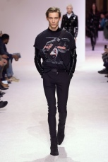 balmain menswear mens pfw pfwm paris runway @sssourabh