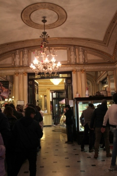 naples grancafe gambrius cafe gelato foodreview foodcritic travel nightlife italy napoli love streetoflove @sssourabh