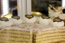 muvesz kavehaz budapest opera budapestopera cafe food foodcritic travel hungary dessert @sssourabh