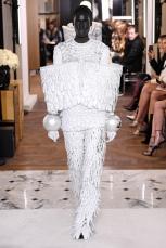 balmain fashion fashionweek womenswear pfw pfwm paris runway couture fw19 aw19 @sssourabh