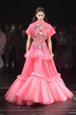 victorandrolf victorrolf fashion fashionweek menswear pfw paris runway womenswear fw19 aw19 couture @sssourabh