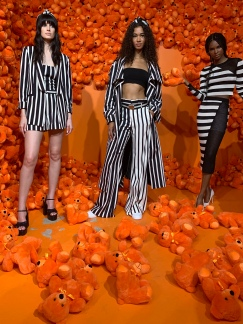 aliceandolivia alice olivia womenswear fashion nyfw ss20 scenography @sssourabh