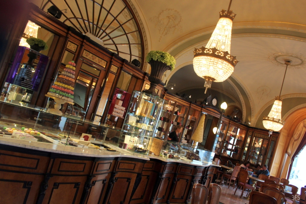 gerbeaud budapest foodcritic foodreview food restaurant hungary desserts @sssourabh
